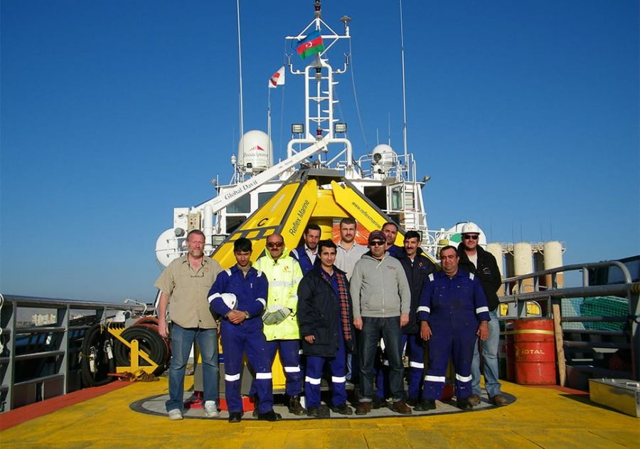 Seacor team with the Reflex Marine FROG-9 device in the Caspian Sea.