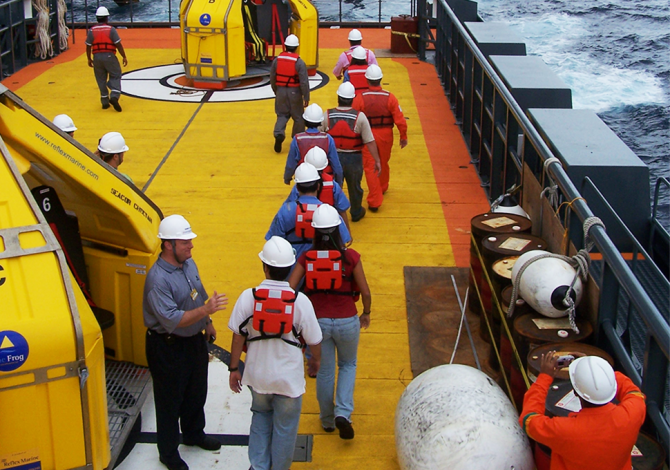 Reflex Marine providing safe access solutions to a large crew during offshore personnel transfers.